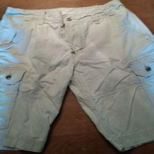 Mern Levi shorts